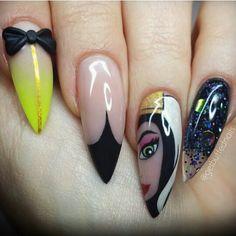 Evil queen nails !