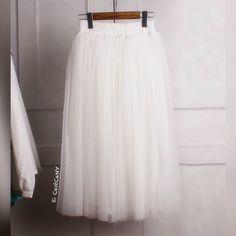 Hey, diesen tollen Etsy-Artikel fand ich bei https://www.etsy.com/de/listing/204661001/new-claire-soft-tulle-skirt-in-ivory