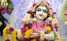 To view Radha Close Up Wallpaper of ISKCON Chowpatty in difference sizes visit - http://harekrishnawallpapers.com/srimati-radharani-close-up-wallpaper-073/