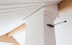 Hirsirakenteinen pihasauna perinteisesti luonnonmukaisista materiaaleista Ceiling Fan, Home Decor, Decoration Home, Room Decor, Ceiling Fan Pulls, Ceiling Fans, Home Interior Design, Home Decoration, Interior Design
