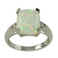 Opal ring~Reminds me of the one I broke  :'(