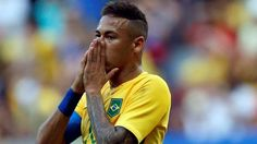 Neymar se lamenta. Brasil no pudo con Sudáfrica en su estreno olímpico. (REUTERS / Ueslei Marcelino)