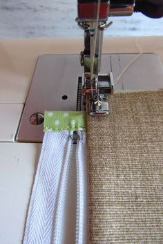 Outstanding 50 sewing hacks tips are offered on our web pages. Have a look and you wont be sorry you did. Sewing Hacks, Sewing Tutorials, Sewing Patterns, Sewing Tips, Free Sewing, Hand Sewing, Pouch Tutorial, Patchwork Bags, Sewing Projects For Beginners