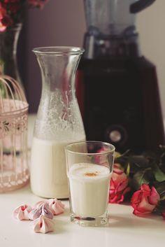 lapte de caju, blender g21 Unt, Glass Of Milk, Drinks, Food, Meal, Eten, Drink, Meals, Beverage