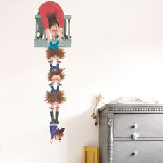 KEK Amsterdam Hang On XL muursticker. Als je Pluk van de Petteflet kent heb je vast ook wel eens gehoord van de Stampertjes. Gelukkig maken deze Stampertjes niet zoveel geluid. @kekamsterdam #muurstickers #kinderkamer #design #Flinders