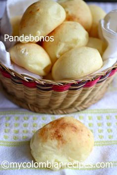 Pandebono (Colombian Cheese bread), from My Colombian Recipes Colombian Dishes, My Colombian Recipes, Colombian Cuisine, Colombian Arepas, Columbian Recipes, Bread Recipes, Cooking Recipes, Corn Flour Recipes, Kitchen Recipes