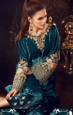 Velvet dress is cozy winter look that can get warmness with modern style. Velvet Pakistani Dress, Pakistani Formal Dresses, Pakistani Dress Design, Pakistani Outfits, Indian Dresses, Indian Outfits, Velvet Suit Design, Velvet Dress Designs, Desi Wear