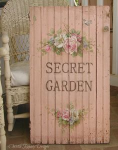 Intelligent Shabby chic home decor style image source Rose Cottage, Shabby Chic Cottage, Shabby Chic Style, Shabby Chic Homes, Shabby Chic Decor, Garden Signs, My Secret Garden, Tole Painting, Shabby Chic Furniture