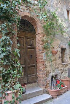 Door of the day  www.cookintuscany.com     #italy #culinary #cooking #school #cookintuscany #italyiloveyou #allinclusive #montepulciano #cookintuscany #italy #culinary #montefollonico #tuscany #school #class #schools #classes #cookery #cucina #women #solo #journey #travel #tour #trip #vacation #pienza #montepulciano #florence #siena #cook #cortona #pienza #pasta #montefollonico #gimignano #meyers #door #iloveitaly #underthetuscansun #wine #vineyard #pool #church #domo #gelato #dog #vino…
