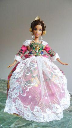 Barbie Dolls, Renaissance, To My Daughter, Disney Princess, Collection, Dresses, Fashion, Carnival, Fashion Dolls