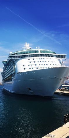 Independence of the Seas   Ready to face her next adventure. Freedom Class ships feature non-stop entertainment like the FlowRider surf simulator, Casino Royale, the DreamWorks Experience, and so much more. (Photo: Jacque N.)