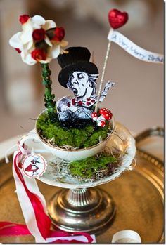 Table Centerpiece - queen of hearts - alice in wonderland - mad hatter - tea party Mad Hatter Party, Mad Hatter Tea, Painting The Roses Red, Alice Tea Party, Alice In Wonderland Tea Party, Party Time, Party Ideas, Volunteer Week, Flying Saucer