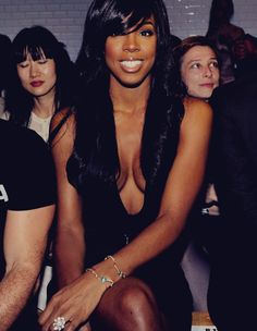 With some light-skinned girls and some Kelly Rowland's Kelly Rowland Style, Miss Kelly, Beautiful People, Beautiful Women, Ideal Beauty, Dark Skin Makeup, Natural Hair Styles, Long Hair Styles, Iconic Photos
