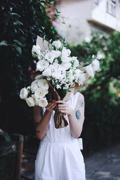Flowers For You, Cut Flowers, Flowers In Hair, Fresh Flowers, Beautiful Flowers, White Flowers, Plants Are Friends, Spring Shower, Floral Crown
