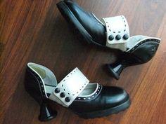 W10 Minis Zaza in black and ivory! $220