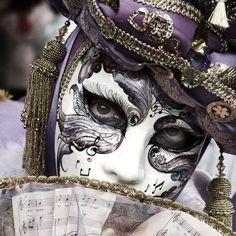 Mask Venice Carnivale, Carnival Of Venice, Carnival Masks, Venice Mask, Mardi Gras Costumes, Beautiful Mask, Mask Design, Venetian Masks, Venetian Masquerade