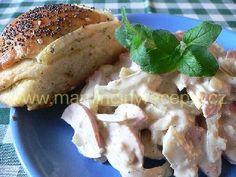 Ševcovský salát Bagel, Camembert Cheese, Salad Recipes, Salads, Recipies, Bread, Chicken, Food, Recipes