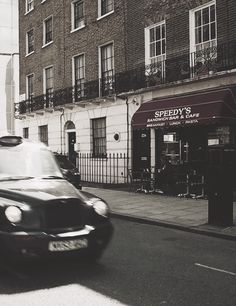 North Gower Street, commonly used as Baker Street in the filming of the BBC TV show Sherlock. Watson Sherlock, Sherlock John, Sherlock Holmes, Sherlock Poster, Sherlock Quotes, Sherlock Cumberbatch, Benedict Cumberbatch, Detective, Sherlock Wallpaper