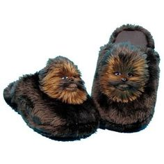 Star Wars Chewbacca Slippers, The plush you know and love from Comic Images, now available for feet, as comfy slippers! you will love wearing your favorite Star Wars characters around the house or dorm . Check This OUT Chewbacca, Star Wars Weihnachten, Sports Games For Kids, Star Wars Personajes, Star Wars Design, Star Wars Christmas, War Film, Darth Vader, Cold Feet