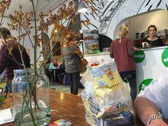 Hapje en drankje midden in de herrie van een speelgoedwinkel Meneer Paprika in Haarlem