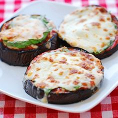 This eggplant pizza has no doughy crust, but it does have plenty of pizza flavor