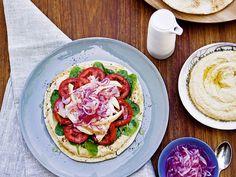 Chicken Pita With Hummus & Onions // Közel-keleti specialitás 20 perc alatt: csirkés pita / Éva Magazin