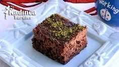 Kakao Soslu Islak Kek Tarifi nasıl yapılır? Kakao Soslu Islak Kek Tarifi'nin malzemeleri, resimli anlatımı ve yapılışı için tıklayın. Yazar: Yemek Yolculuğu