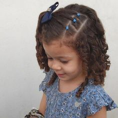 Hairstyles for Toddlers with Curly Hair - Kids hair cuts - hair Little Girl Curly Hair, Toddler Curly Hair, Curly Hair With Bangs, Curly Hair Styles, Curly Girl, Curly Bob, Kids Curly Hairstyles, Baby Girl Hairstyles, Girl Haircuts