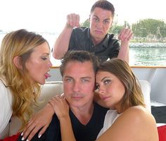 Colton Haynes, Willa Holland, John Barrowman and Katie Cassidy #SDCC