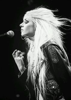 Taylor Momsen #celebrities, #pinsland, https://itunes.apple.com/us/app/id508760385
