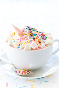 EASY unicorn party recipes: Unicorn Hot Chocolate | Love & Olive Oil