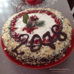 Καλή Χρονιά με υγεία, αγάπη και ευτυχία!!! Ο καινούργιος χρόνος να φέρει στον καθένα, ότι επιθυμεί!!! Σε... Greek Desserts, Greek Recipes, Vasilopita Cake, New Year's Cake, Biscotti Cookies, Sweet Bread, Xmas, Christmas, Food To Make