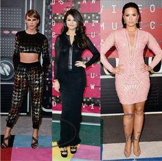 Outros looks das famosas no tapete vermelho do VMA 2015 domingo, em Los Angeles. Qual look você escolheria, ousada como Taylor, sóbria como Selena ou sexy como Demi? Faça sua escolha! #donafina