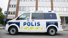 Poliisijärjestöillä huoli työturvallisuudesta: Kymmenet vihamieliset miehet piirittivät partion
