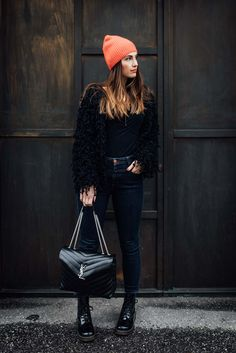 Outfit: A touch of Red / COS Cashmere Beanie, Dr.Martens Boots, Closed Jeans, Intimissimi Top, Zara Jacket, Saint Laurent LouLou Bag | www.yourockmylife.com