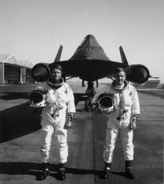 Thirty-five years ago, three US Air Force aircrews, flying the Mach 3+ SR-71 high altitude reconnaissance aircraft, set three absolute world aviation records—the maximum performance by any type of aircraft—in two days. Capt. Al Joersz (pilot, right) and Maj. George Morgan (Reconnaissance Systems Operator, left) set the Absolute Speed record over Edwards AFB, California, on 28 July 1976. The officially recorded average speed of the two legs was 2,193.16 mph.