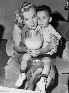 Marilyn Monroe: 80 foto rare e curiose per ricordare Norma Jeane Baker Joe Dimaggio, Grace Kelly, Divas, Classic Hollywood, Old Hollywood, Hollywood Stars, Hollywood Glamour, Hollywood Actresses, Marilyn Monroe Fotos