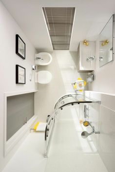 Small bathroom ideas – space-saving bathroom furniture and many clever solutions - design ideas Space Saving Bathroom, Small Space Bathroom, Small Bathroom Storage, Large Bathrooms, Modern Bathroom Design, Master Bathroom, Bathroom Designs, Bathroom Bench, Shower Bathroom