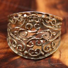 Cigar Band Ring vtg sterling silver Die-Cut Scroll  2.7 grams Ring size 7 wide band stamped