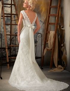 1000+ images about Brautkleider on Pinterest  Lace, Empire and Long ...