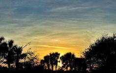 #jupiter #junobeach #sky #clouds #blue #florida #sunset #jibarosenlaluna #boricuas #streetview #viewfrommywindow #autumn #love #familia #aftergooddinner #mexicanfood #excelente