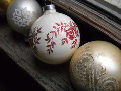 Vintage Glass Christmas Tree Ornaments  Set of 12  Gold by mverdi,