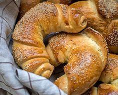 Rogaliki śniadaniowe – przepis zdecydowanie najlepszy : Nerdy Cookin' Croissant, Bagel, Bread, Baking, Food, Bread Making, Patisserie, Crescent Roll, Essen