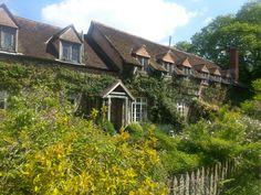 Cothay Manor Elizabeth Barrett Browning, Pre Raphaelite, Her Smile, Somerset, Gardens, Cottage, Cabin, House Styles, Crafts