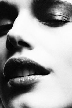 Megan Fox Blonde, Close Your Eyes, Fashion Beauty, Child, Black And White, Artwork, Boys, Work Of Art, Kid