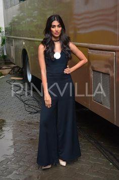 Hrithik Roshan and Pooja Hegde Gear Up For Mohenjo Daro Promotions   PINKVILLA
