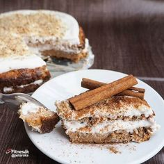 Mrkvovo-jablečný koláč - Fitnesák | Fitness magazín Healthy Deserts, Healthy Sweets, Healthy Baking, Healthy Recipes, Sweet Recipes, French Toast, Food And Drink, Low Carb, Gluten Free
