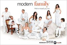 Modern Family is easily my favorite sitcom these days. The well written laugh packed episodes only get better with repeat views. I would recommend this show to pretty much anyone. Modern Family Season 2, Serie Modern Family, Family Tv, Family Logo, New Movies, Good Movies, Tv Show Logos, Great Tv Shows, Book Tv