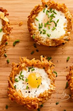 //I'm a brunch man myself. If you start with store bought shredded potatoes you can make this fun breakfast or brunch food in minutes. Don't you just love how cute they are, so great all year round! Breakfast Dishes, Breakfast Time, Best Breakfast, Gourmet Breakfast, Breakfast Egg Recipes, Breakfast Ideas With Eggs, Brunch Egg Dishes, Breakfast Appetizers, Breakfast Potatoes
