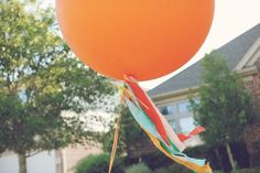 great ideas for balloons....love the garland idea!